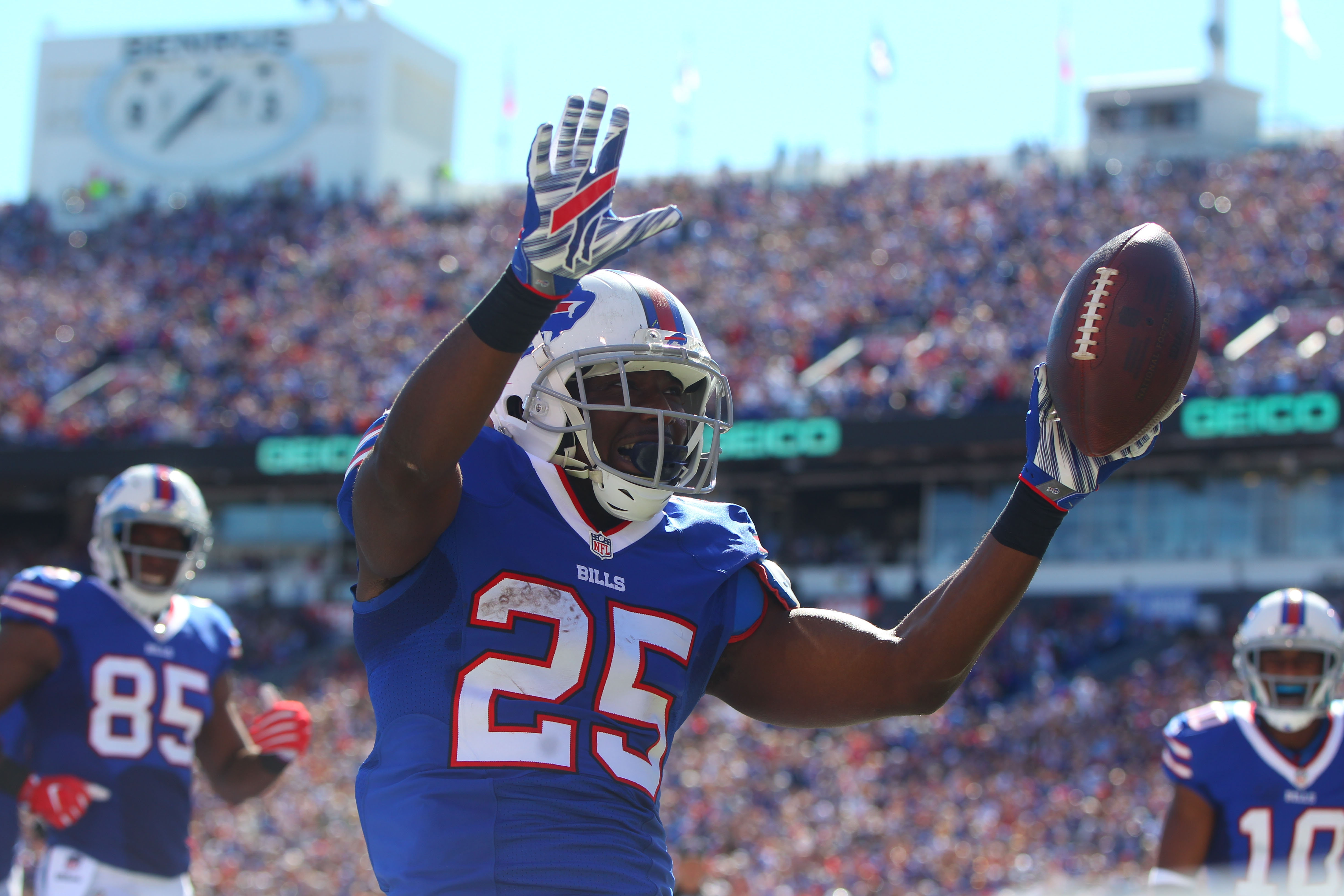 Buffalo Bills running back LeSean McCoy celebrates his touchdown against the Arizona Cardinals during the first quarter at New Era Field in Orchard Park, Sunday, Sept. 25, 2016.  (Mark Mulville/Buffalo News)