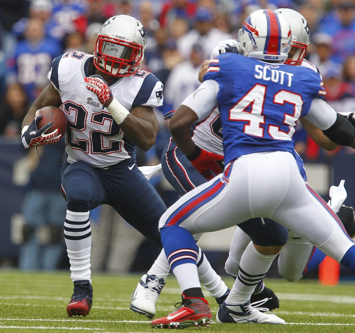 Stevan Ridley (above) and Brandon Bolden were hardly household names when they combined to run for 243 yards and three touchdowns in a Sept. 30, 2012 victory over the Bills. (Mark Mulville /Buffalo News)