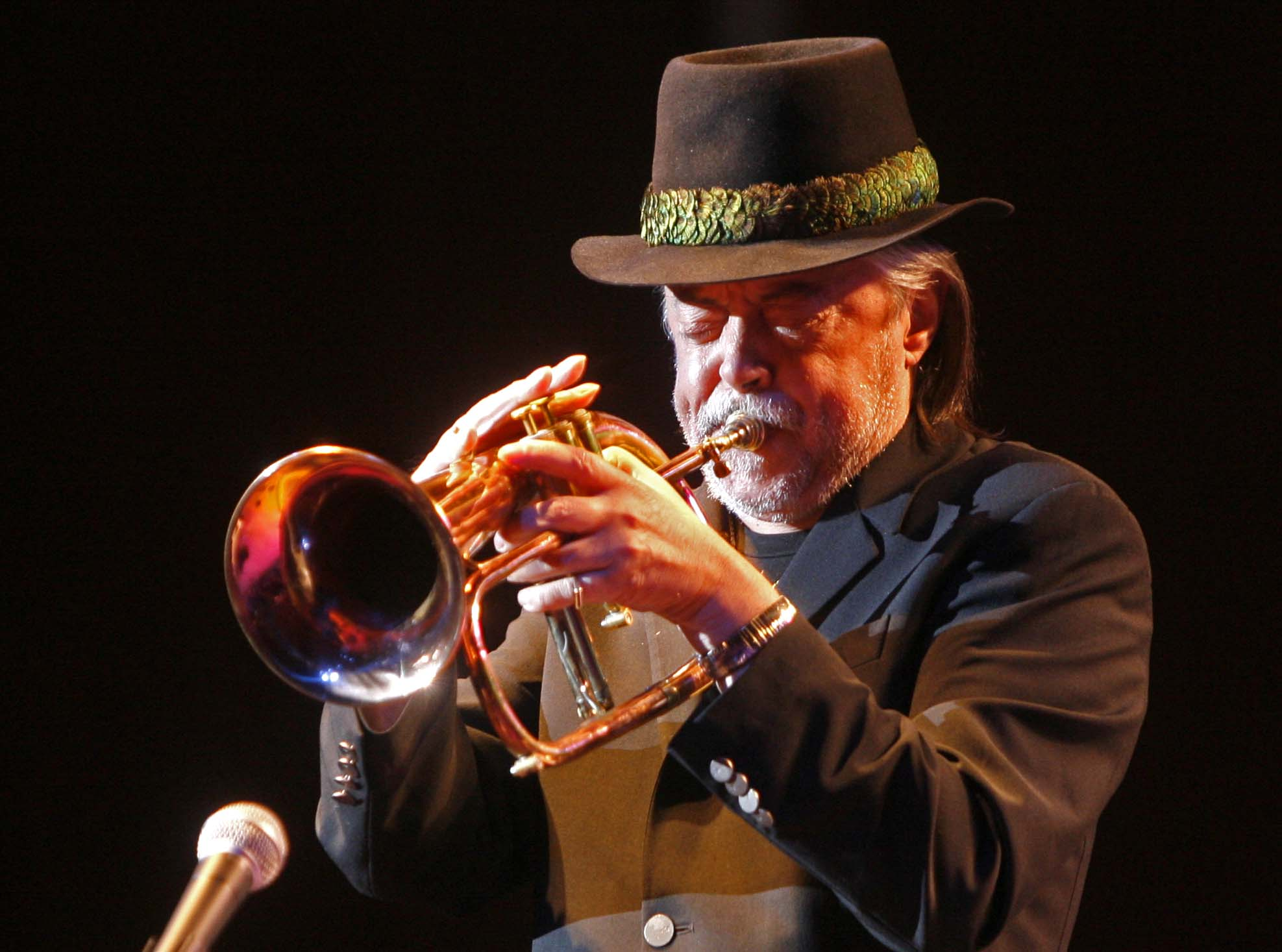 Chuck Mangione, here with the BPO at Kleinhans, is among the musicians who have used Steve Gadd on drums.  (Robert Kirkham/Buffalo News)