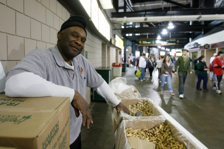Larry Owens, 'the Peanut Man' at Bisons games for quarter century, dies