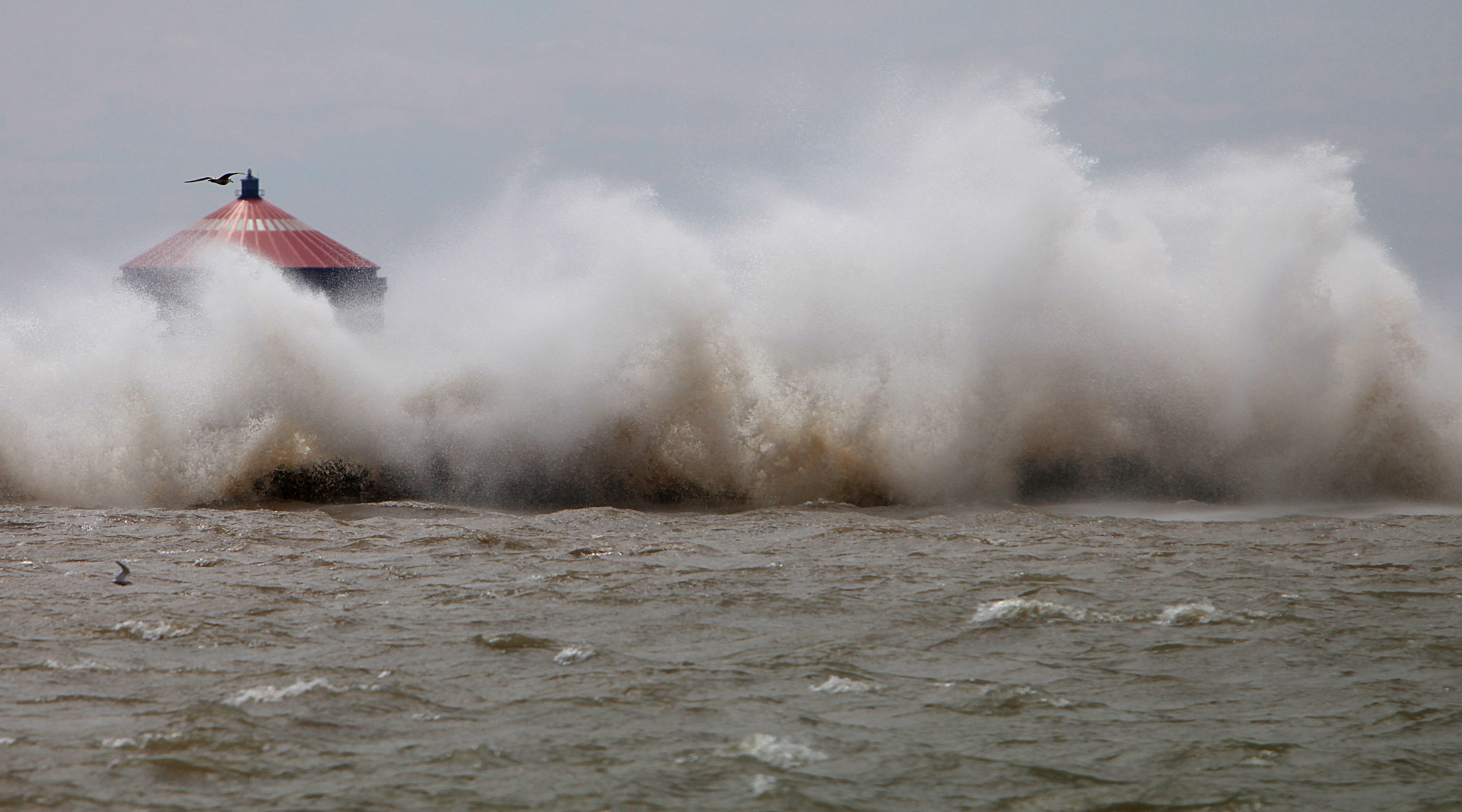 It's expected to be a rough day on Lake Erie today with gusty southwest winds expected to create a seiche on the lake, pushing water toward Buffalo. (Sharon Cantillon/News file photo)