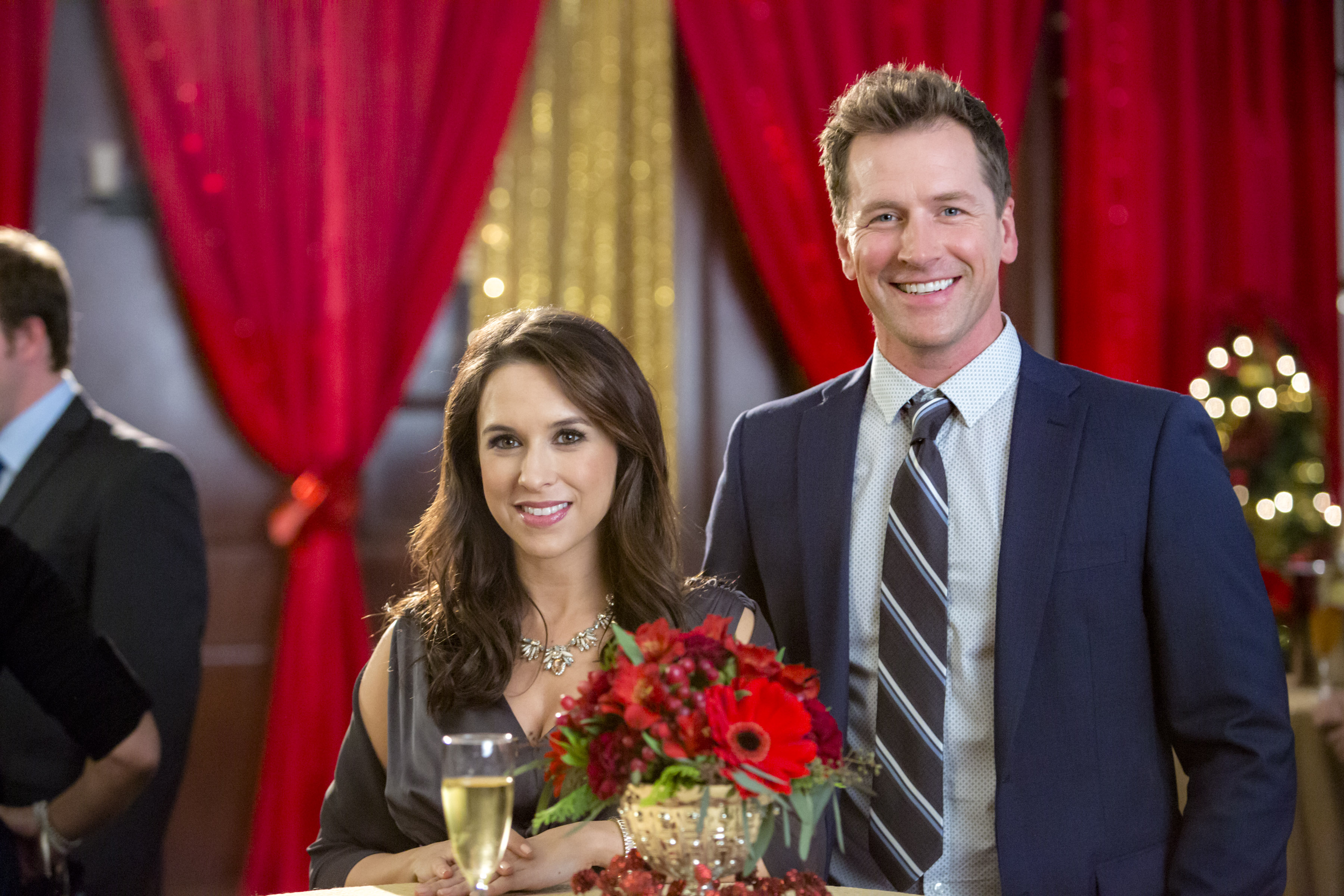 Lacey Chabert and Paul Greene  star in 'A Wish for Christmas,' premiering at 8 p.m. Oct. 29 on Hallmark Channel. (Credit: Crown Media/Bettina Strauss)