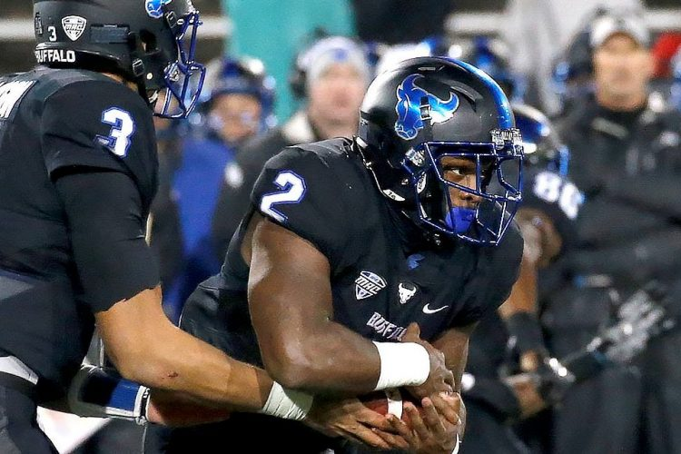 Jordan Johnson rushes for 282 yards to lead UB past Akron, 41-20