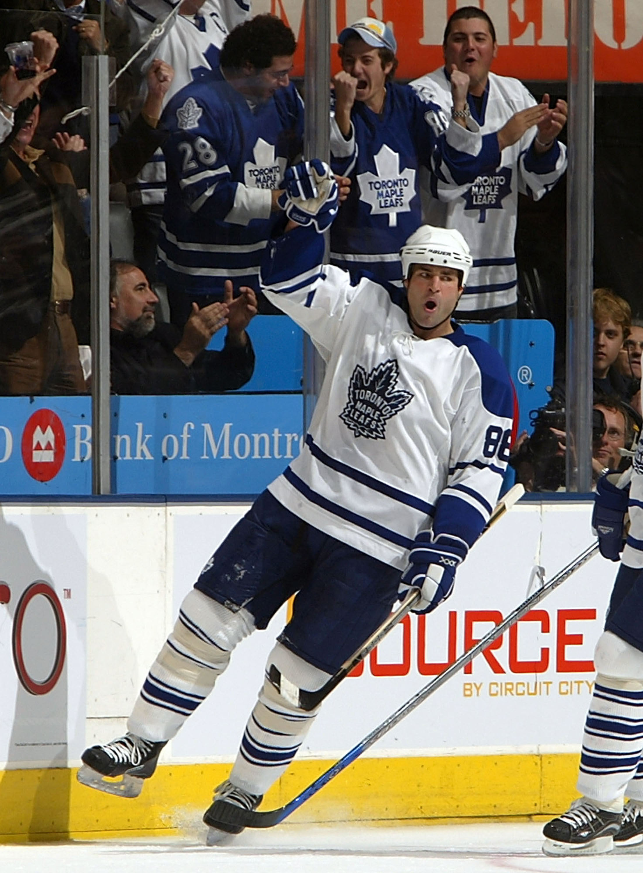TORONTO - OCTOBER 11: Eric Lindros #88 of the Toronto Maple Leafs celebrates his goal against the Philadelphia Flyers during their NHL game on October 11, 2005 at the Air Canada Centre in Toronto, Ontario. The Leafs beat the Flyers 4-2. (Photo By Dave Sandford/Getty Images)