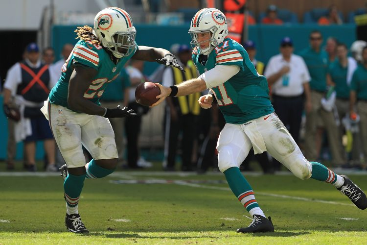 Bucky Gleason's Hot Read: Dolphins show Bills how to ground and pound