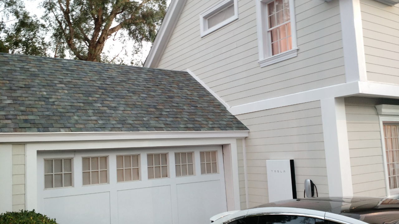 Solarcity unveils new solar roofs that would largely be for New roofing products