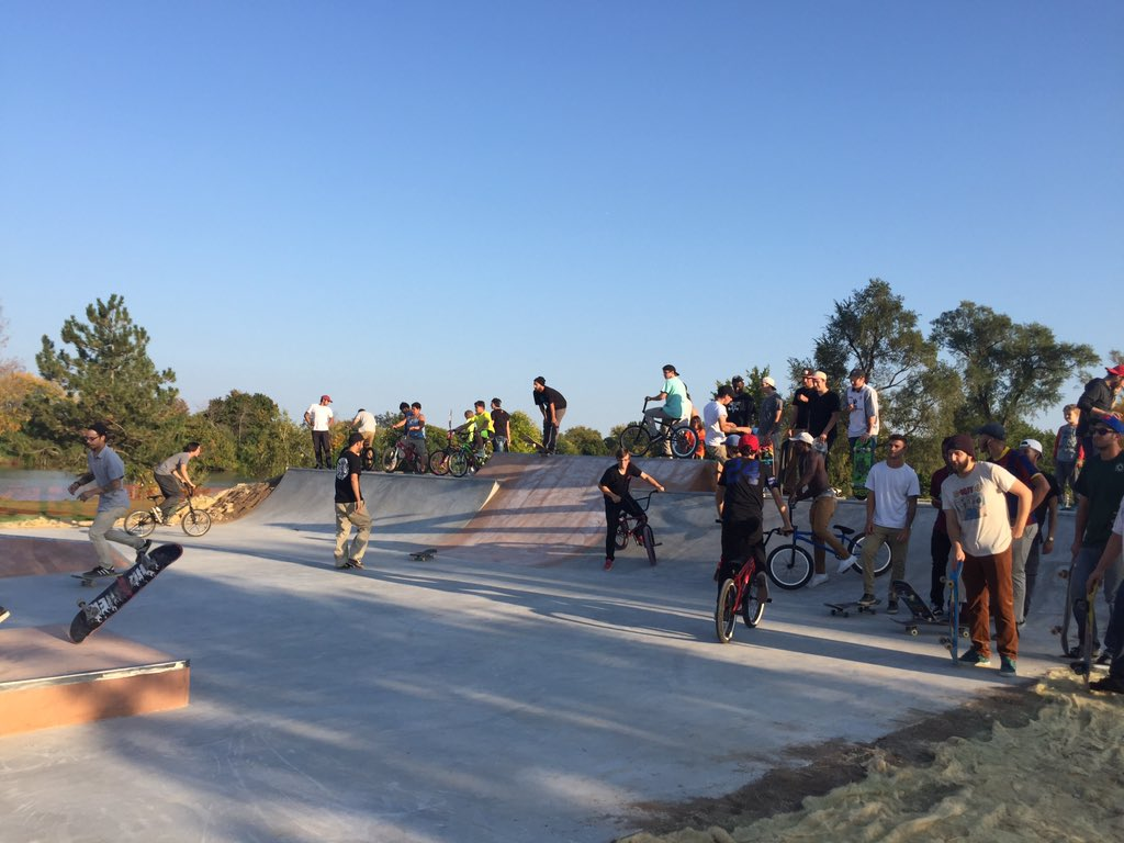 Niagara Falls Skate Park  is one of the projects recently competed by Niagara Falls Community Development in 2016