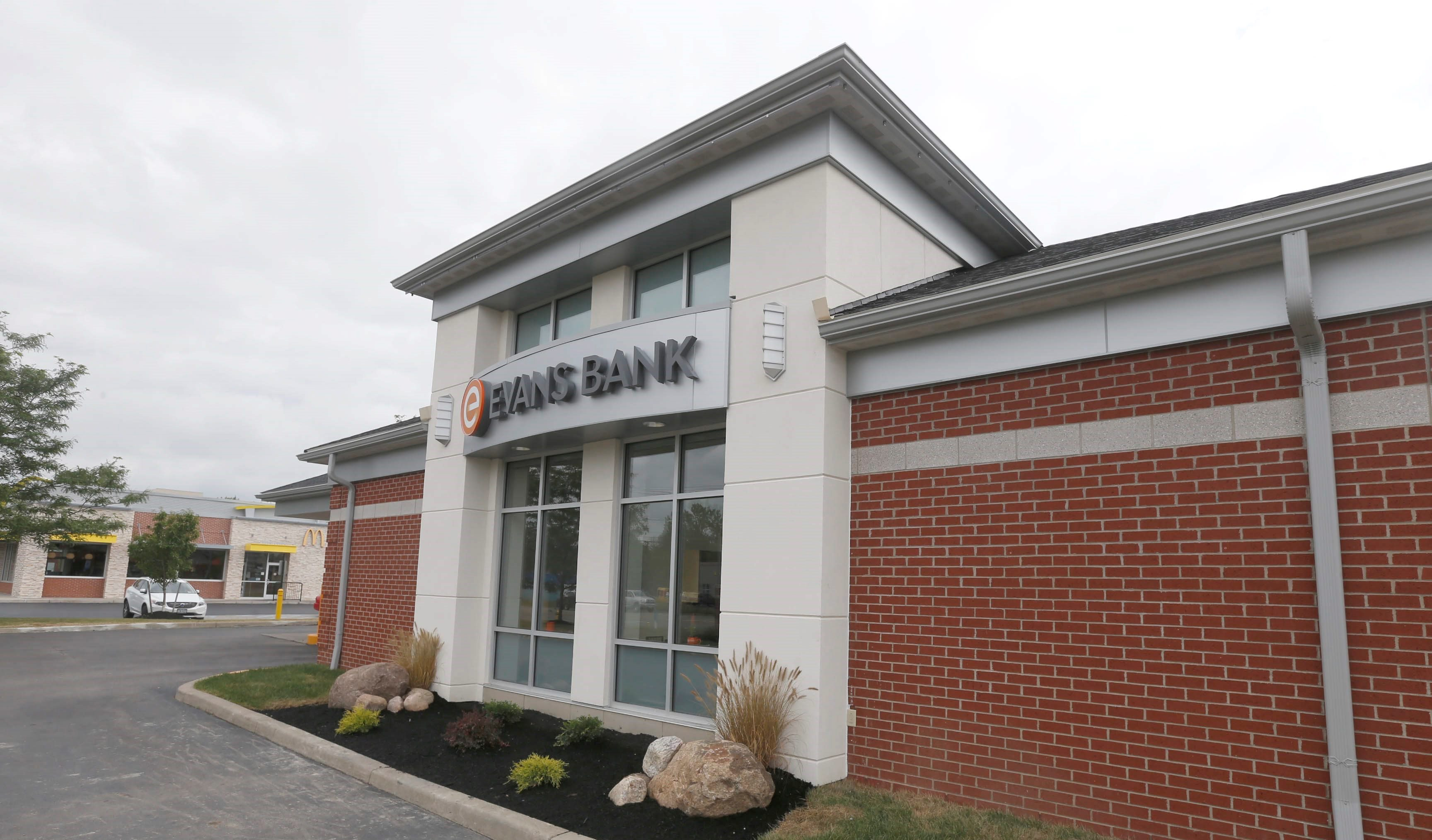 An Evans Bank location on Transit Road in Depew. (Robert Kirkham/Buffalo News)