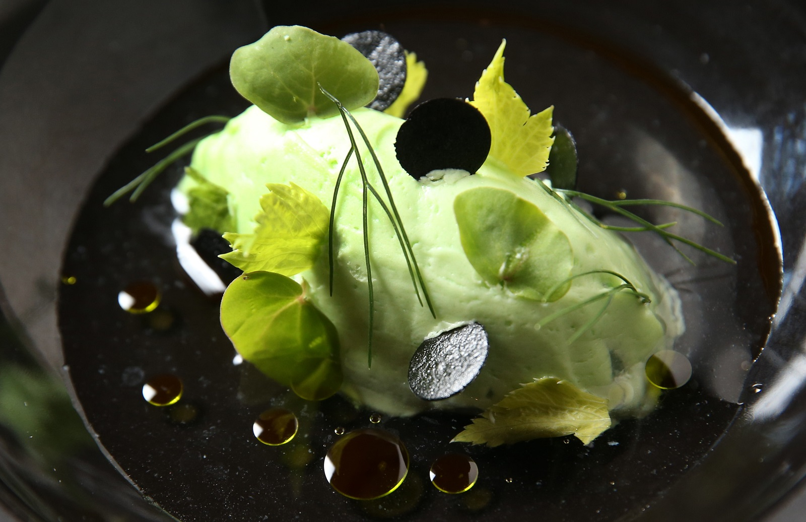 Oliver's third course is the scallop tartare with celery cream, black garlic, fennel, buckwheat and Granny Smith juice. (Sharon Cantillon/Buffalo News)