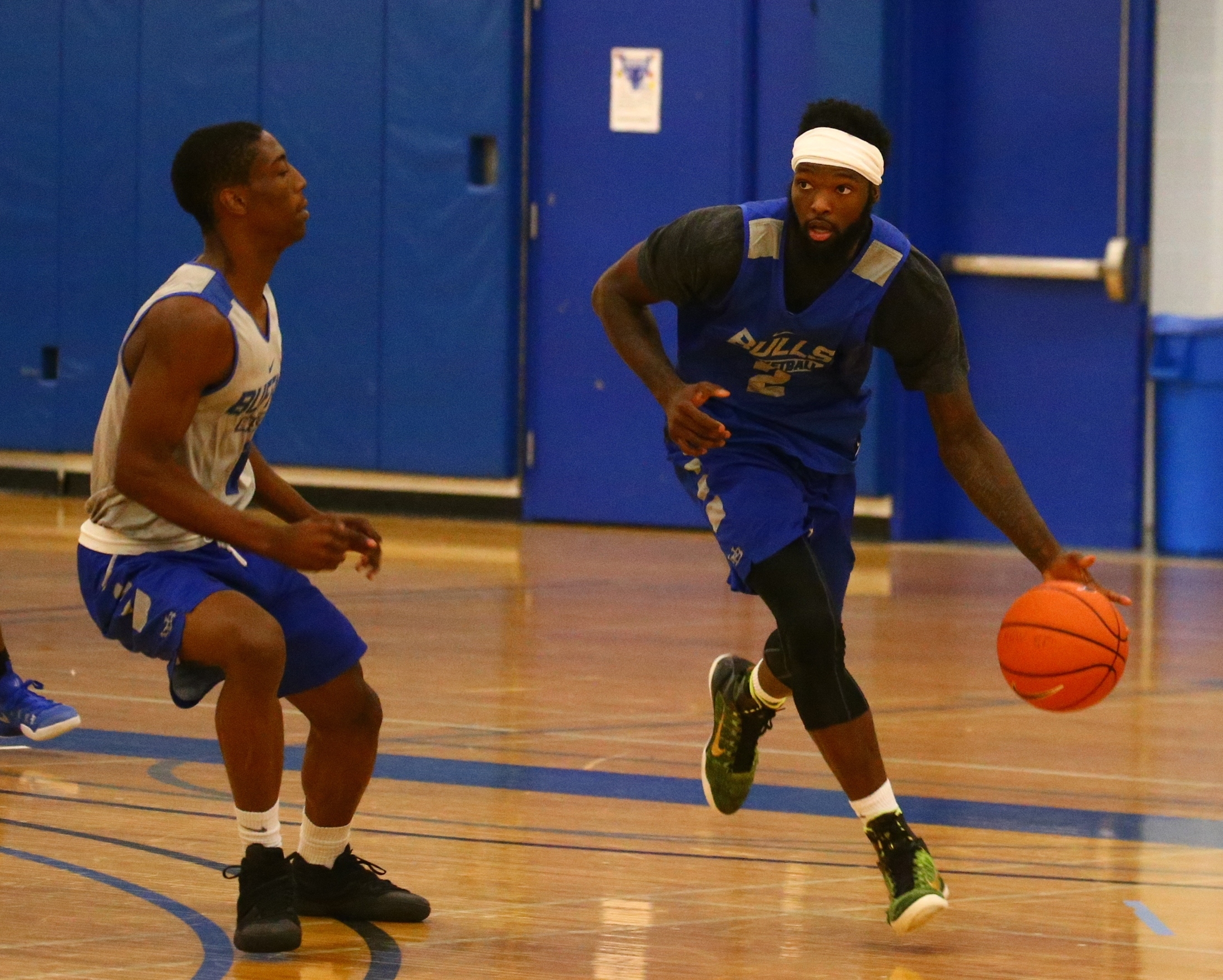 James Jones defends Willie Conner on the dribble at UB practice. (John Hickey/Buffalo News)