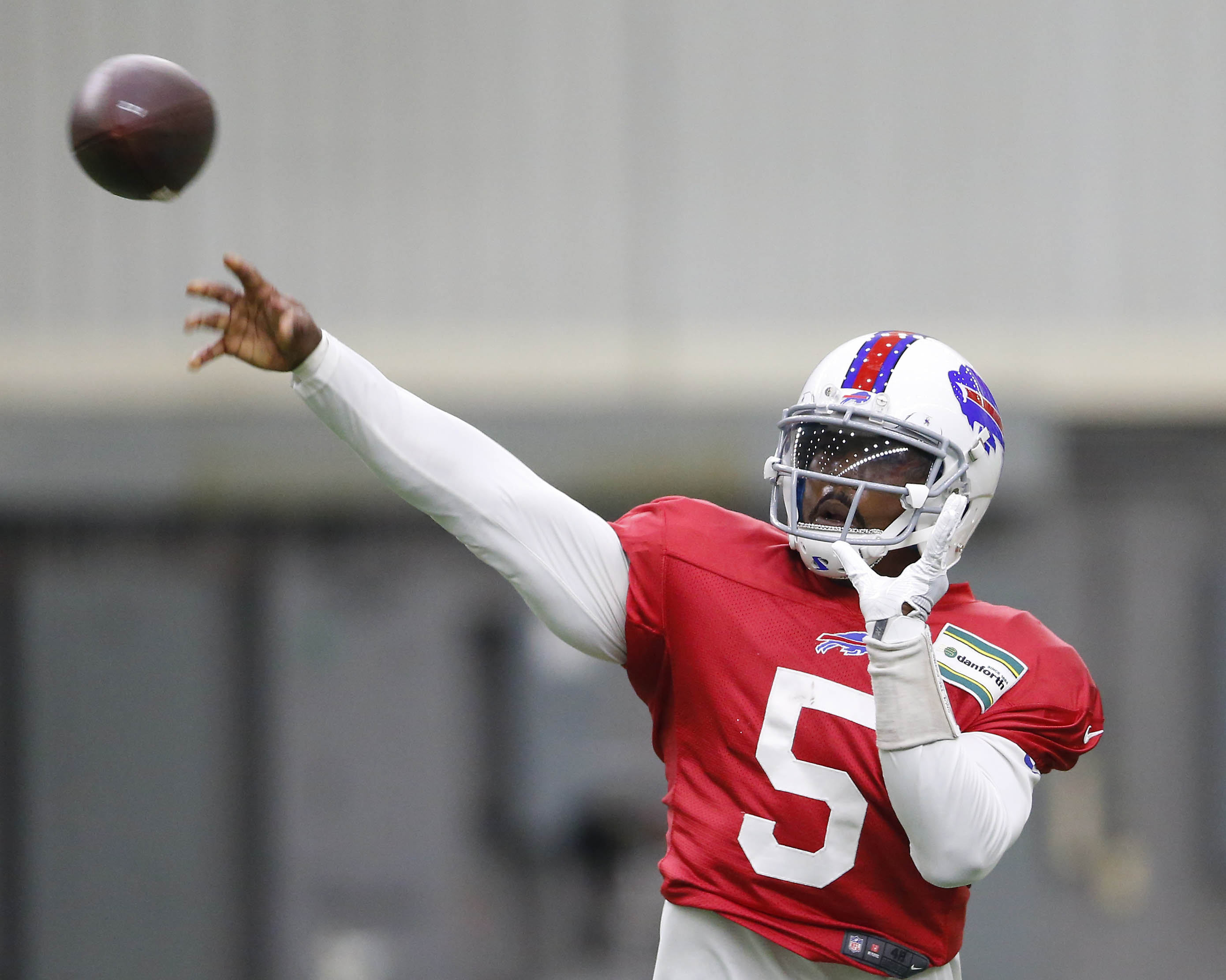 In Week One, Tyrod Taylor averaged 2.83 seconds to throw, which tied for the fourth-slowest number among 30 qualifying quarterbacks, according to Pro Football Focus.  (Mark Mulville/Buffalo News)