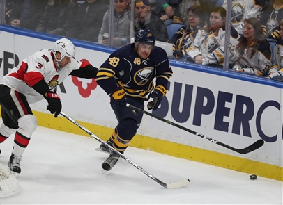 William Carrier and the Sabres had trouble breaking free from Marc Methot and Ottawa. (James P. McCoy/Buffalo News)