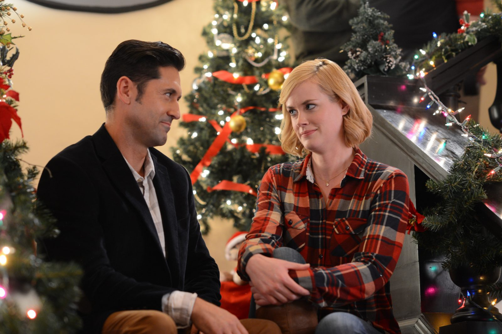 David O'Donnell and Abigail Hawk star in 'A Christmas in Vermont,' which was made in the Buffalo area.