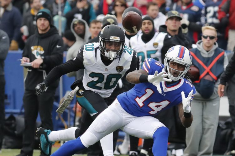 Vic Carucci's Bills Wake-Up Call: Playoff hopes largely rest on Watkins pushing through pain