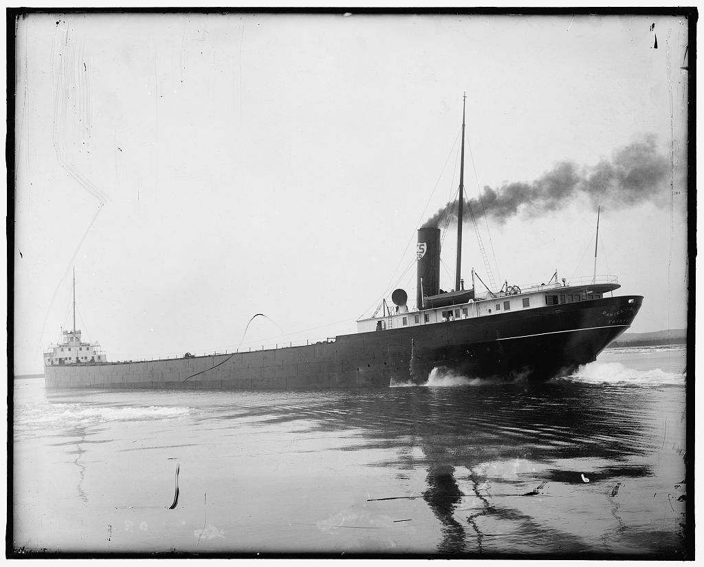 The Daniel J. Morrell under steam sometime between the years of 1900 and 1920. (Library of Congress Prints and Photographs Division)