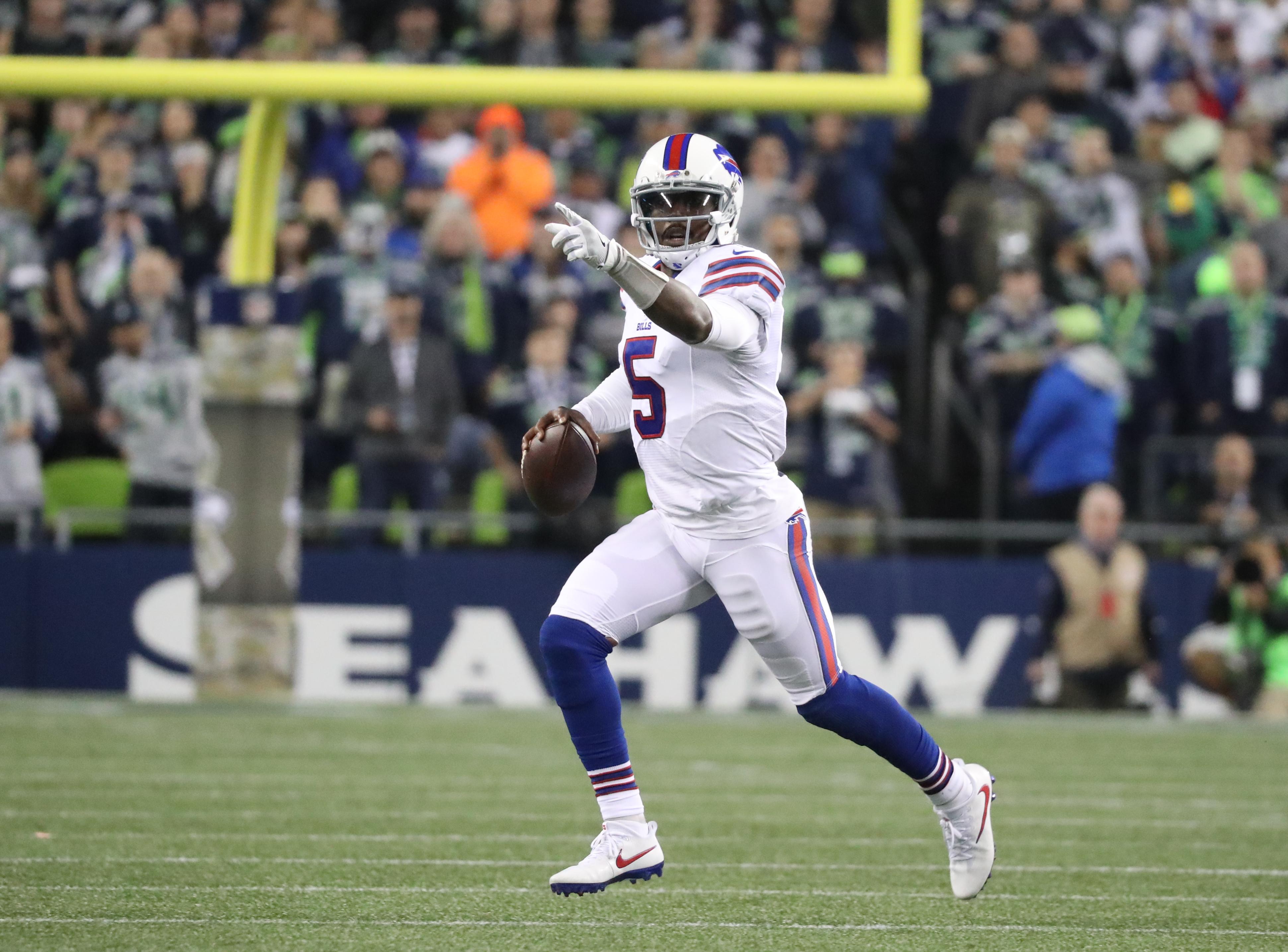 Playing Tyrod Taylor the final three weeks of the season is a big financial risk for the Buffalo Bills. (James P. McCoy/Buffalo News)