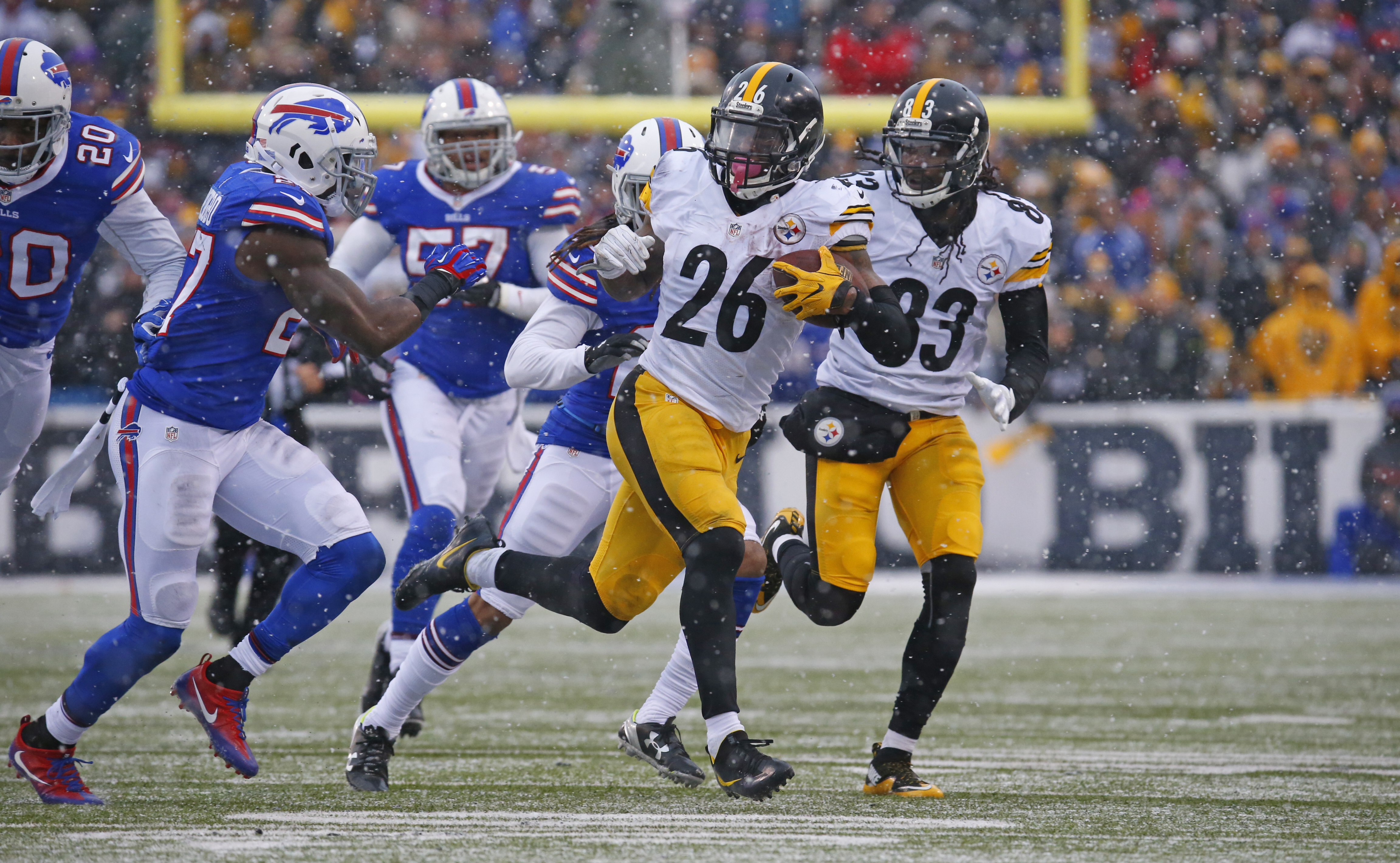 """Pittsburgh Steelers running back Le""""Veon Bell runs against the Buffalo Bills during third quarter action Sunday at New Era Field. (Harry Scull Jr./Buffalo News)"""