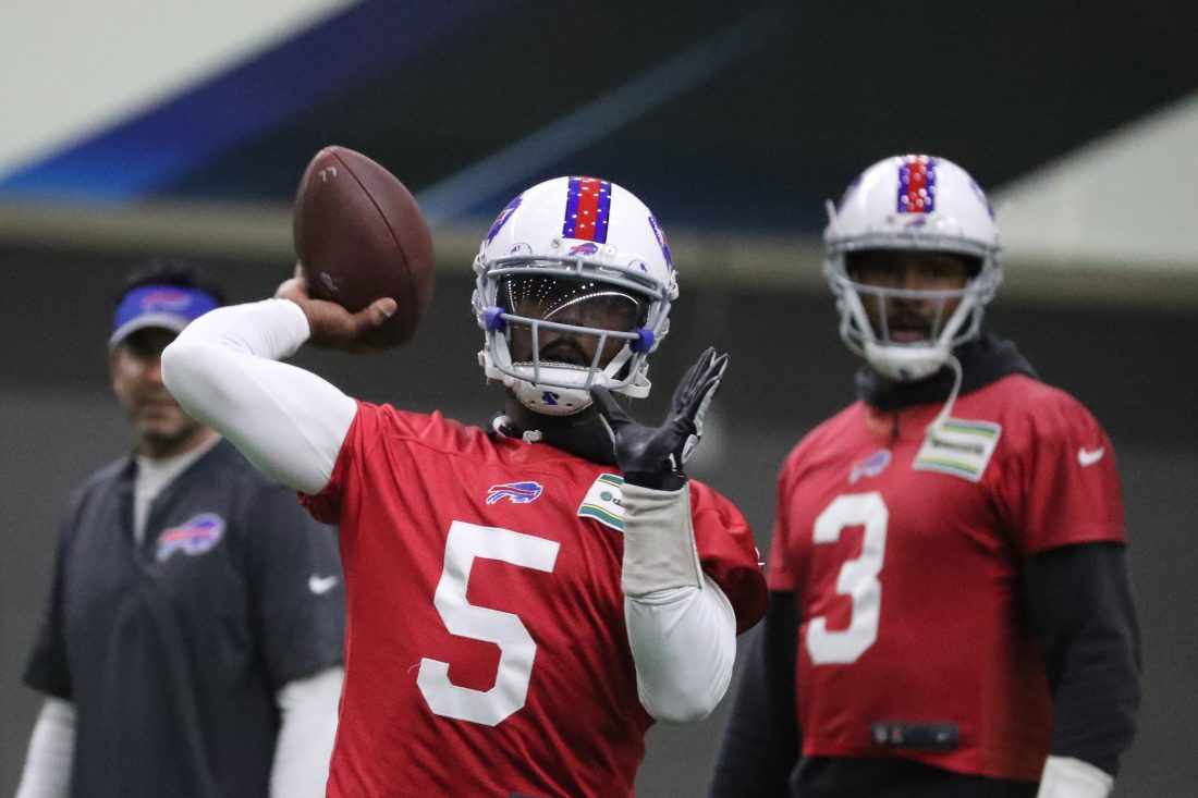 Bills say Tyrod Taylor having optional surgery in freakish release