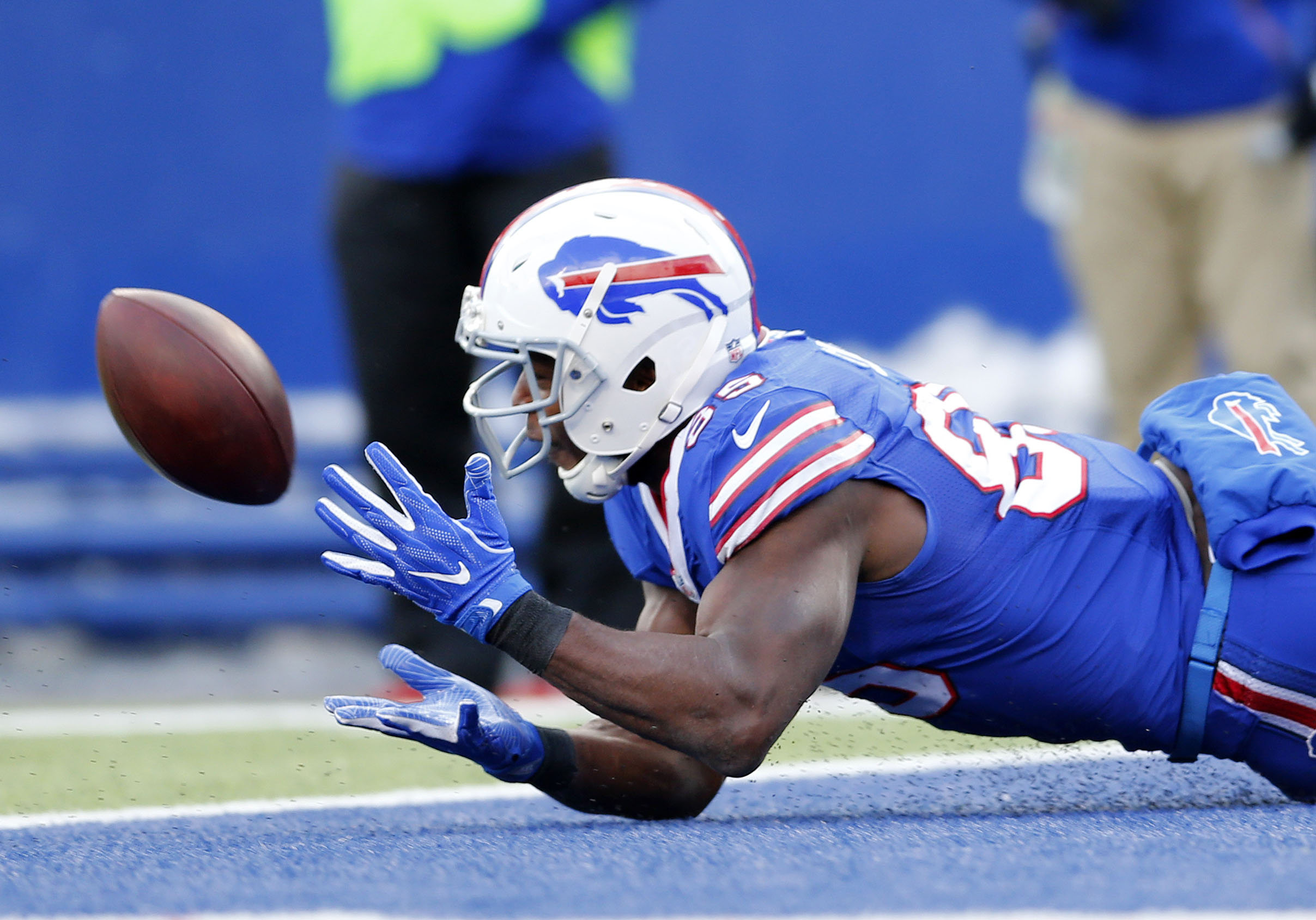 Bills Charles Clay makes a catch for a touchdown in the second quarter.    (Mark Mulville/Buffalo News)