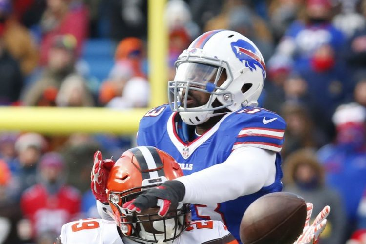 Zach Brown changes agents, is scheduled to visit Bills