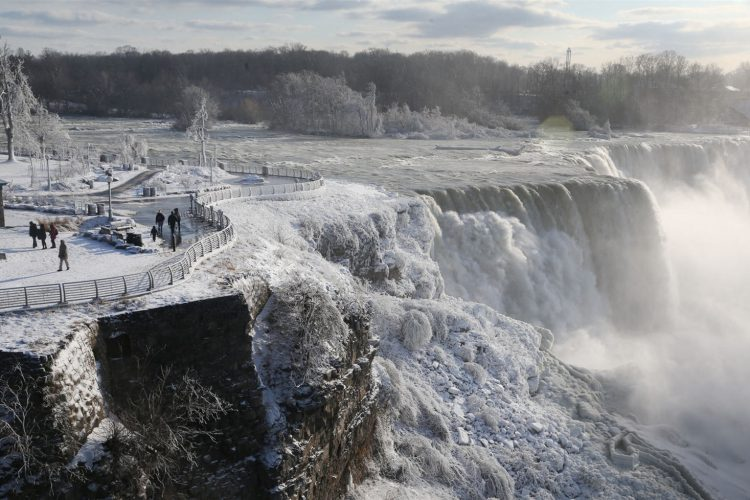 100 Things: Marvel at Niagara Falls in winter