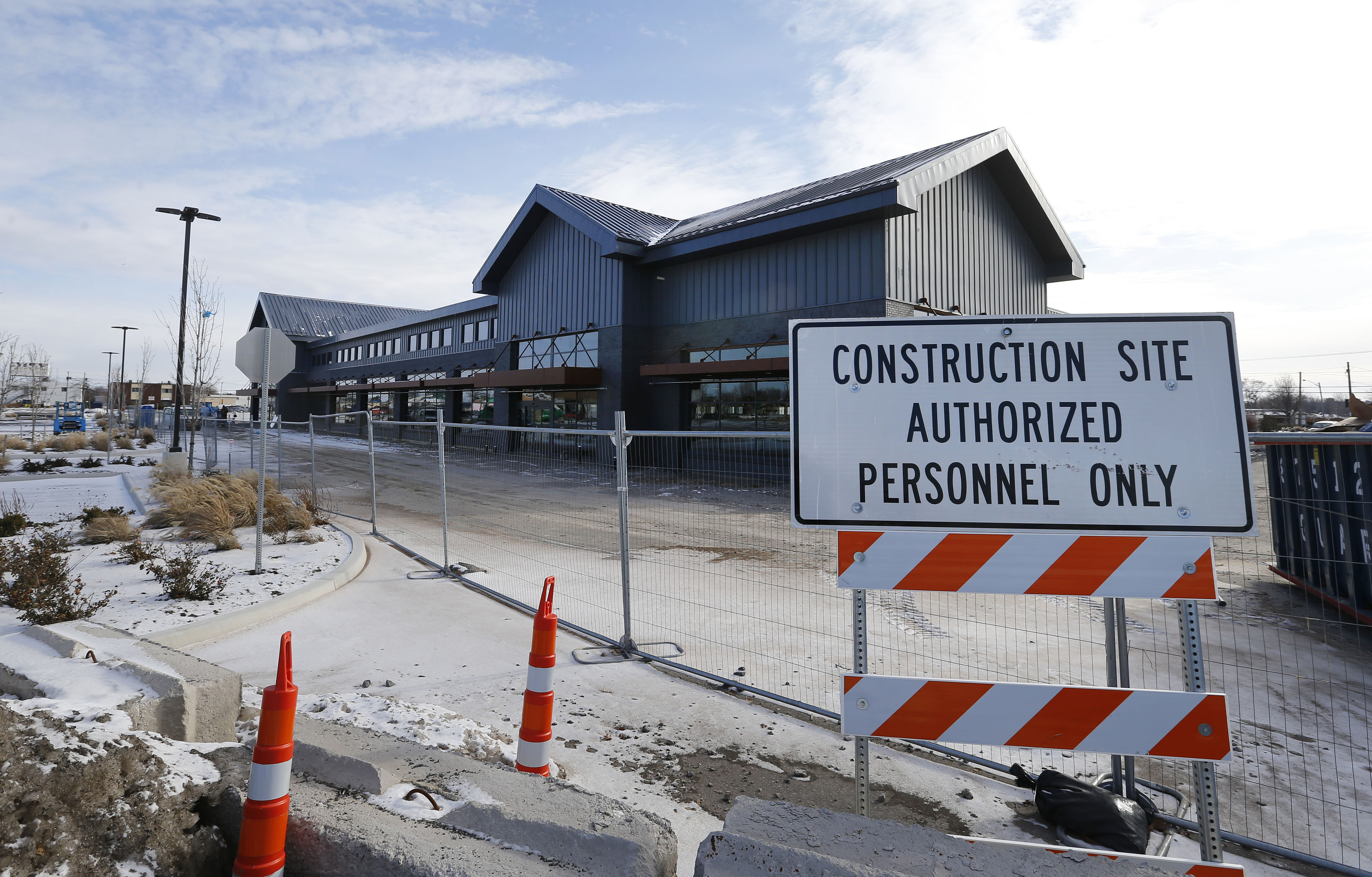 Construction continues on the Whole Foods building on Sheridan Drive in Amherst.          (Mark Mulville/ Buffalo News)