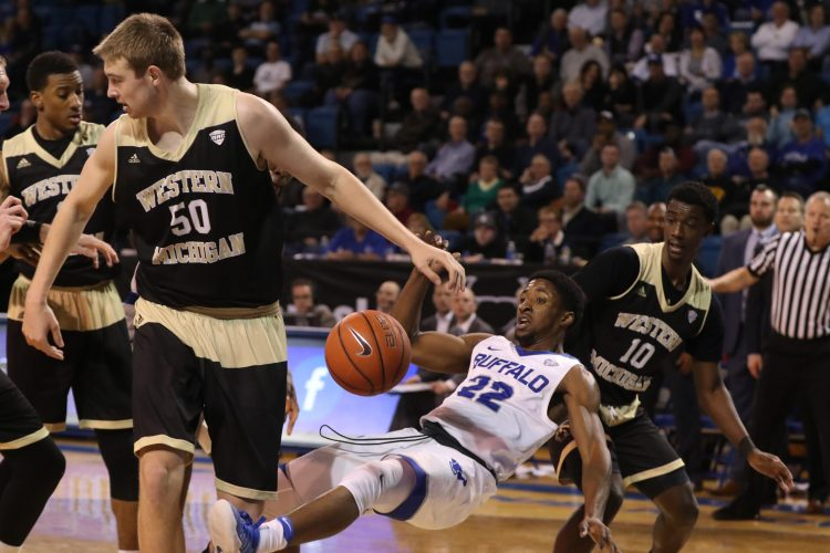 UB men scratch, claw way to victory over Western Michigan