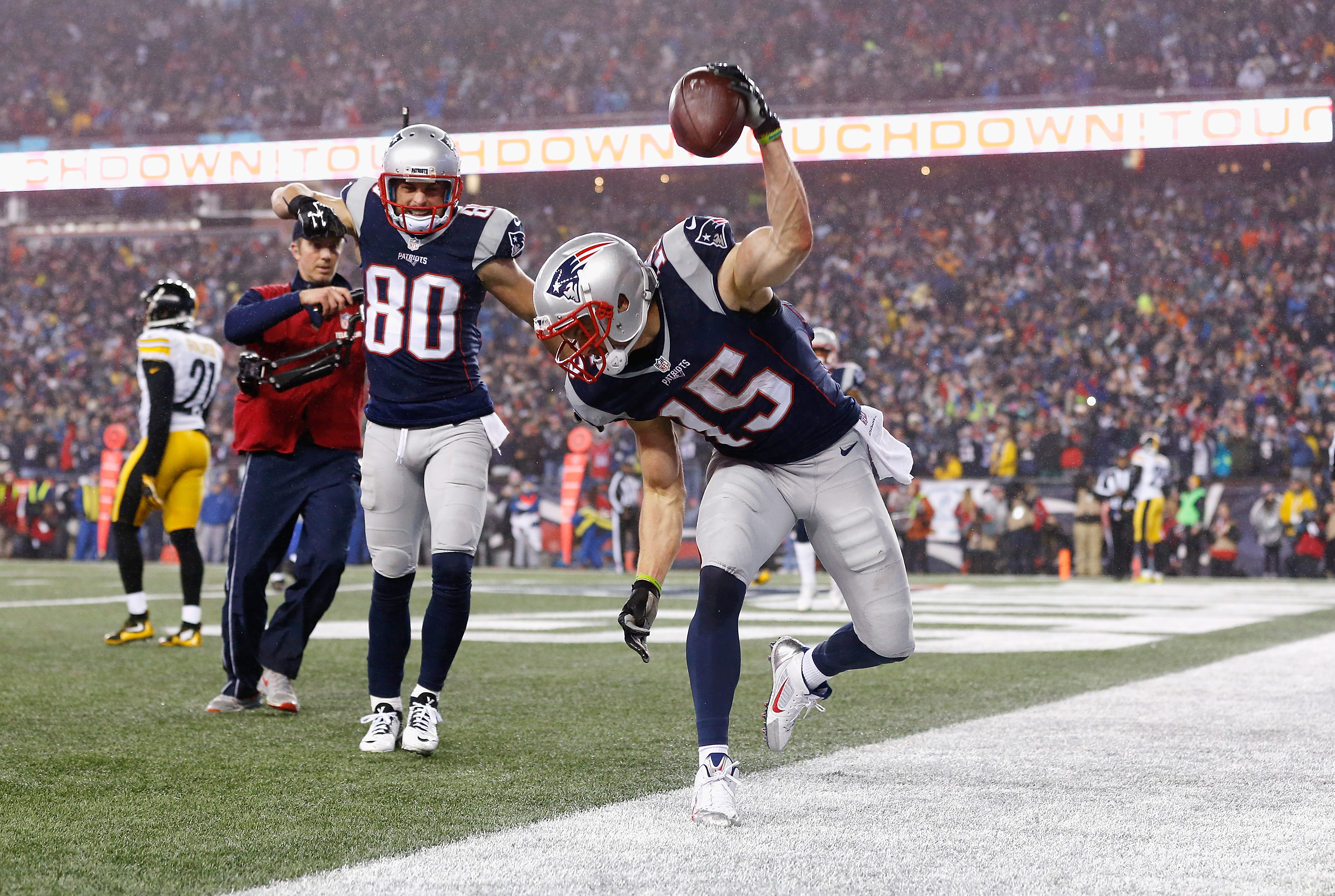Former Bills receiver Chris Hogan had a breakout game for the Patriots on Sunday in the AFC Championship. (Getty Images)