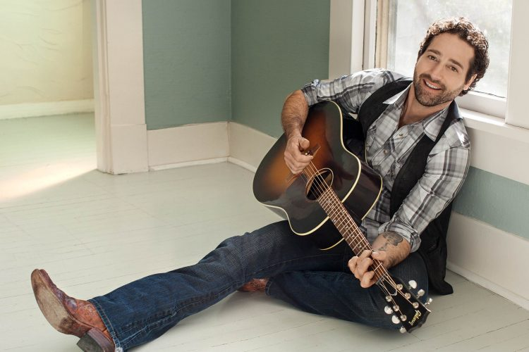 Josh Thompson brings new country fare to the Falls