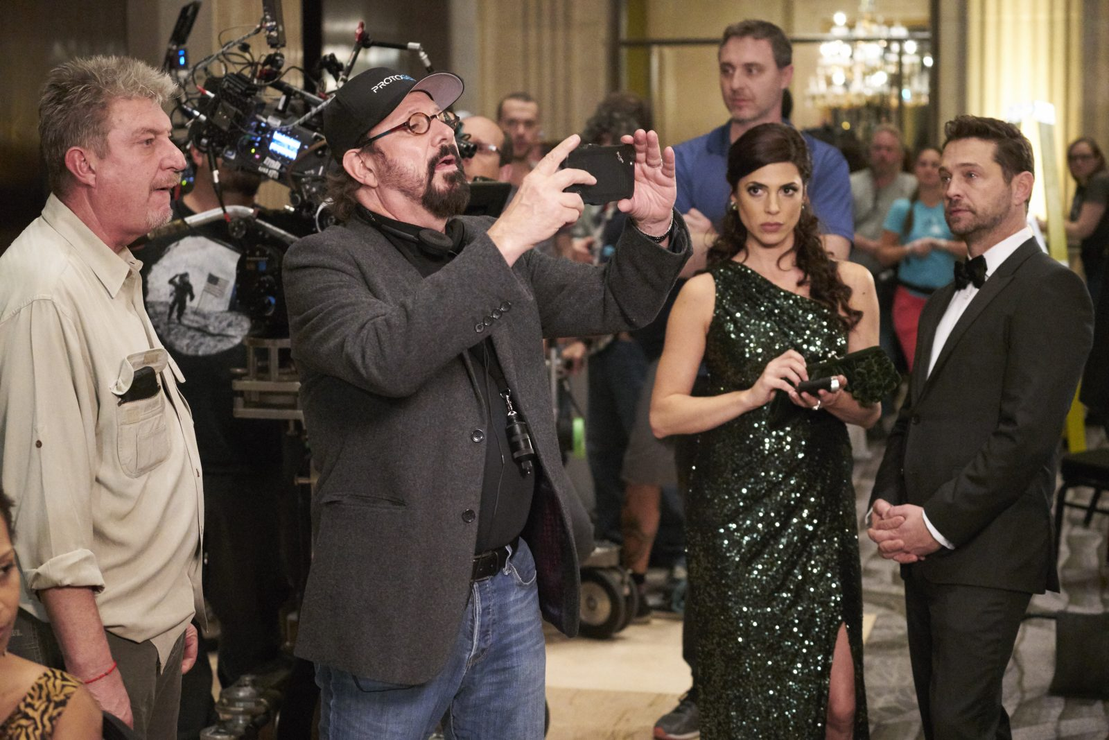 "Rob Lieberman directing an episode of the Canadian series ""Private Eyes"" in Toronto in November 2016. Stars Cindy Sampson and Jason Priestley are looking on. (Courtesy ""Private Eyes"")"