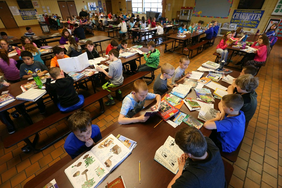 Students opting out of state testing fill the cafeteria at West Elementary in West Seneca in 2015. (Mark Mulville/Buffalo News)