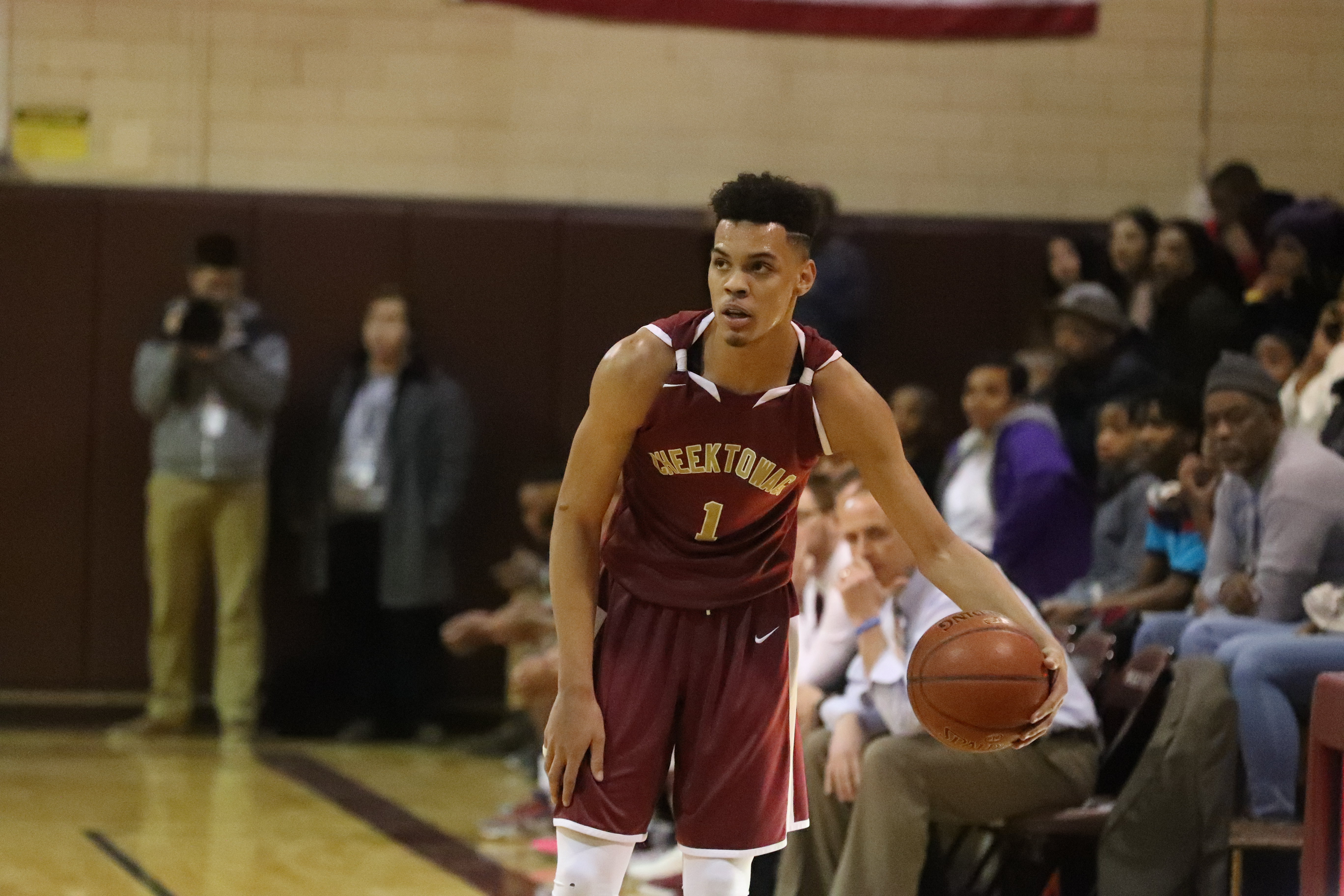 Cheektowaga's Dominick Welch is one of seven finalists for the state's Mr. Basketball honor.  (James P. McCoy/Buffalo News)