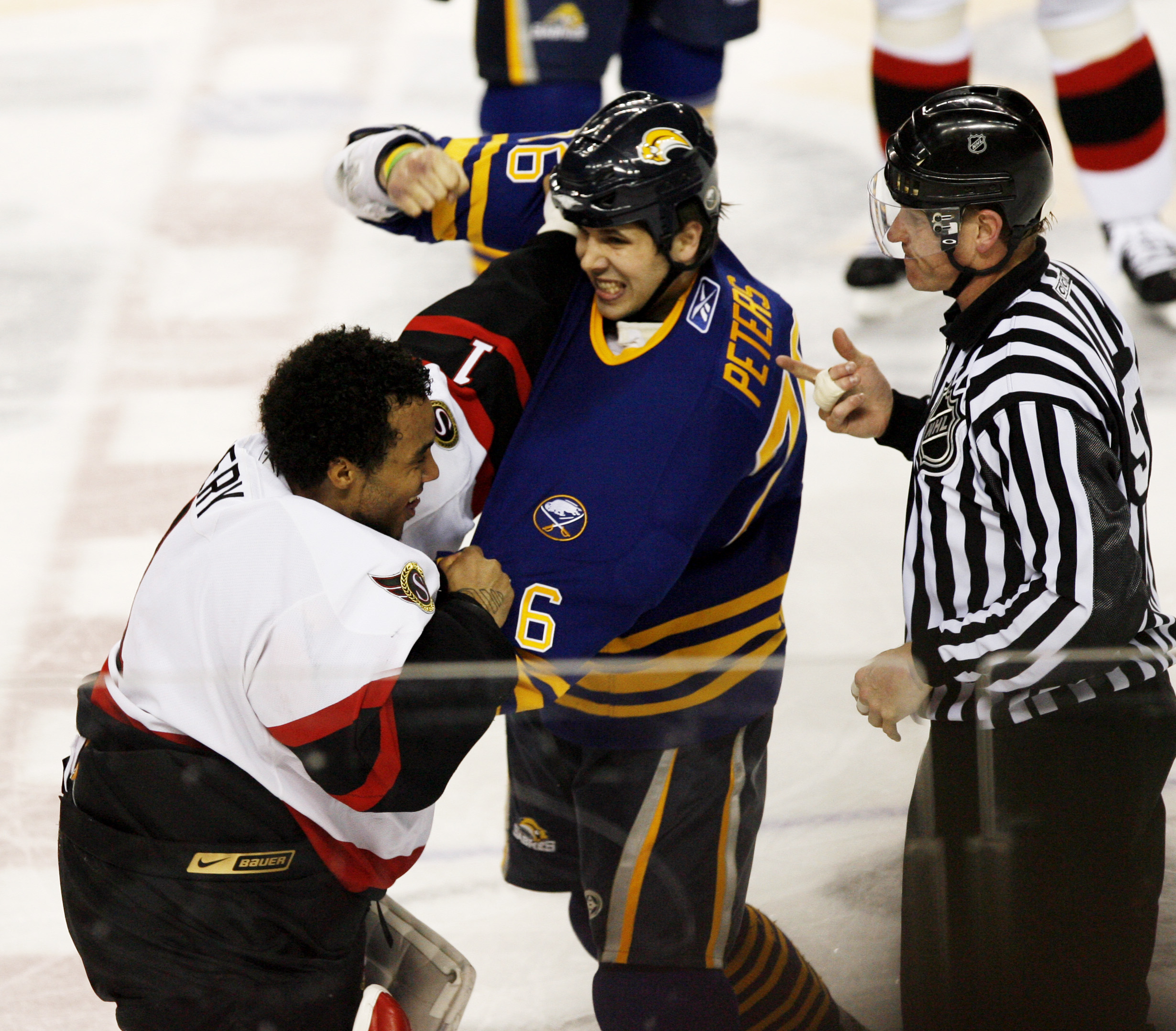 A decade ago, the rivalry between Buffalo and Ottawa exploded. The mayhem included the Sabres' Andrew Peters fighting goalie Ray Emery. (James P. McCoy/Buffalo News)