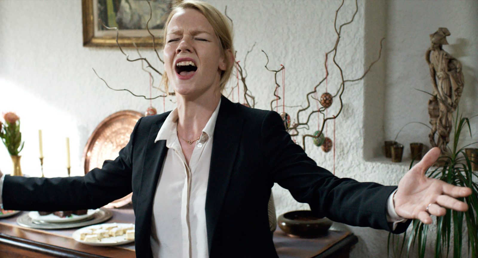 "Sandra Huller as Ines in a scene from the movie ""Toni Erdmann"" directed by Maren Ade. (Komplizen Film/Sony Pictures Classics/TNS)"