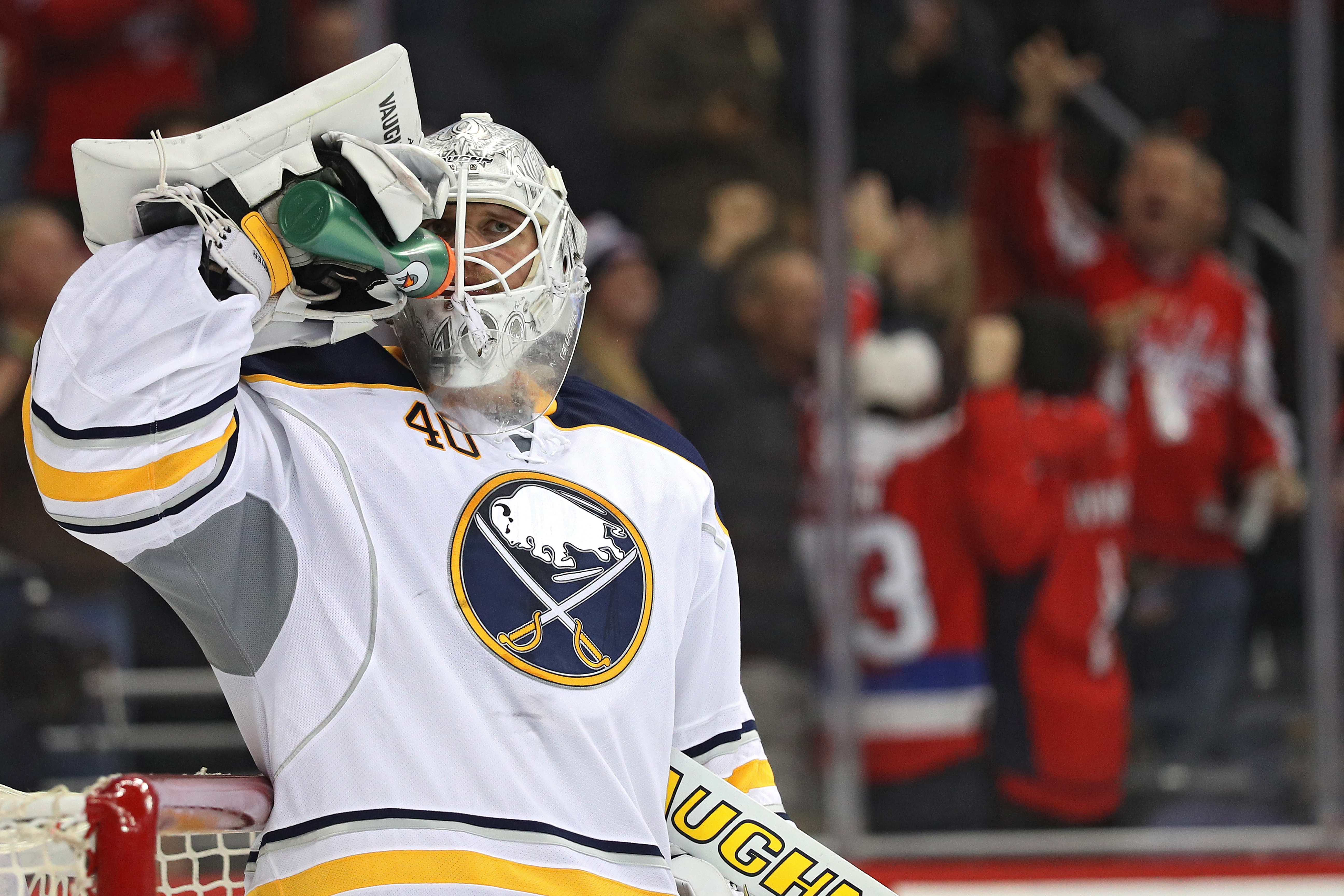 Robin Lehner got hit in the head Saturday in Colorado, and it hurt his neck. (Getty Images)