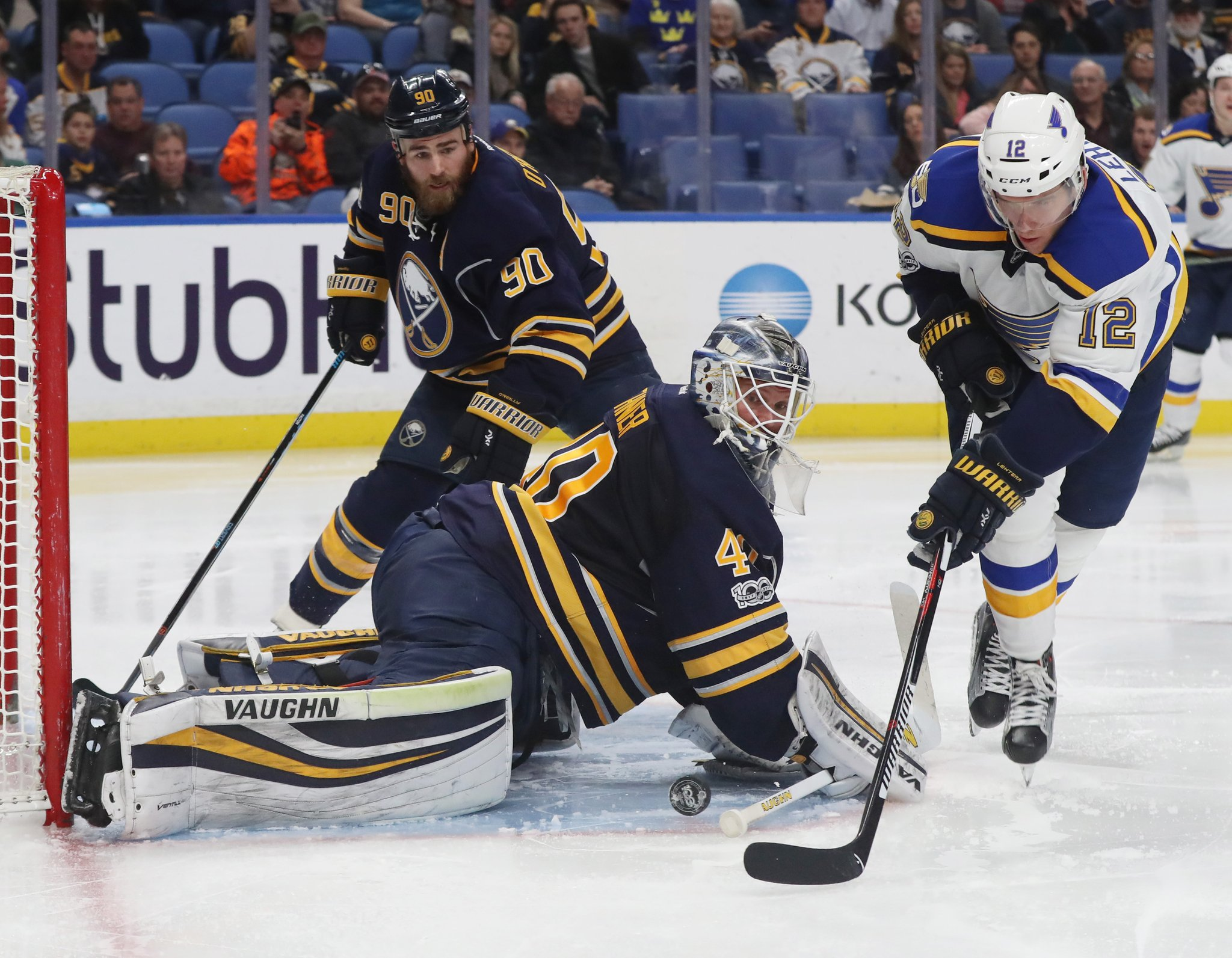 Robin Lehner makes a key save on St. Louis' Jori Lehtera in the first minute of the second period (James P. McCoy/Buffalo News).