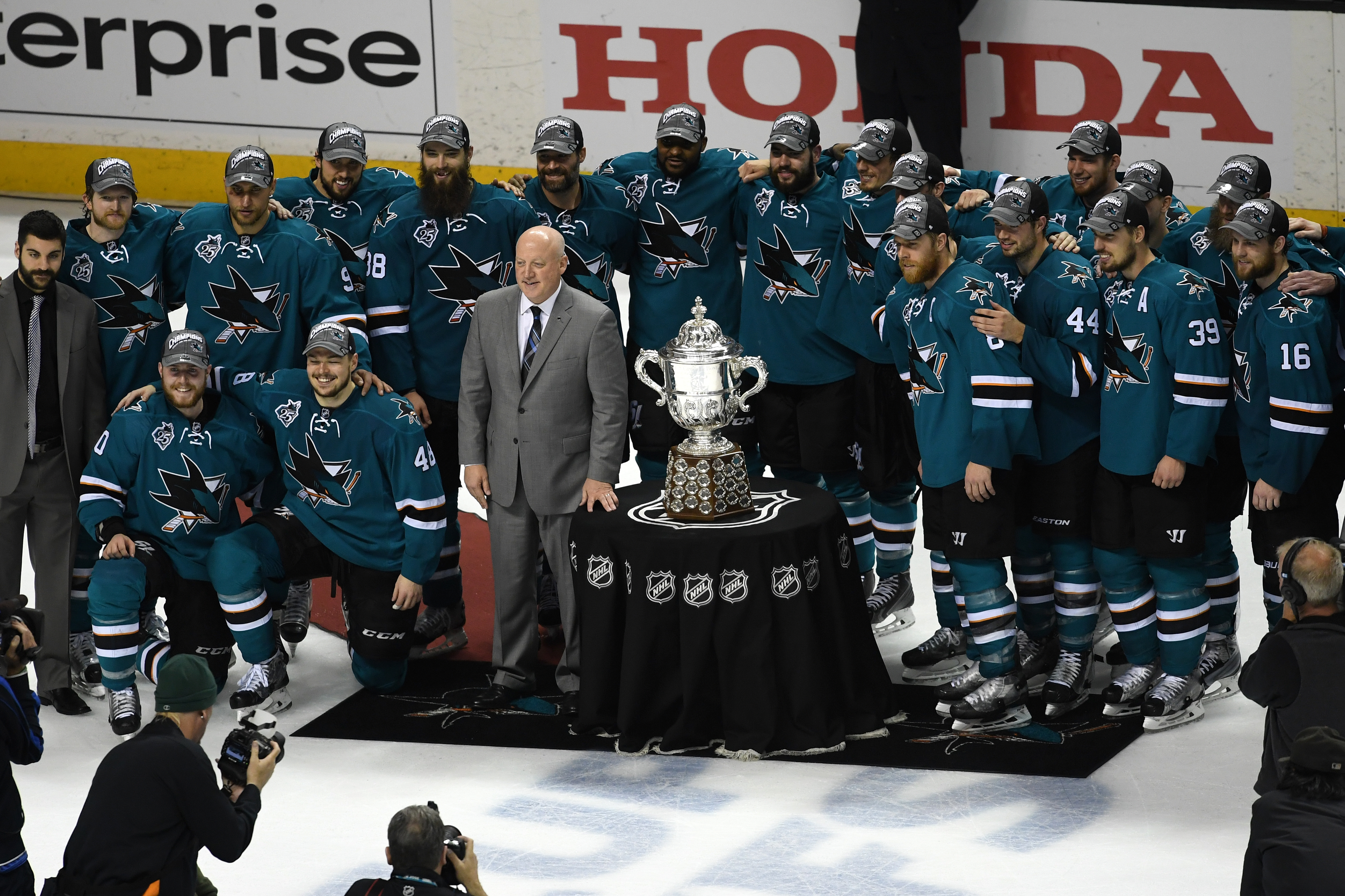 NHL Deputy Commissioner Bill Daly presents the Campbell Bowl to Sharks captain Joe Pavelski last May as San Jose earned its first berth in the Stanley Cup final (Getty Images).