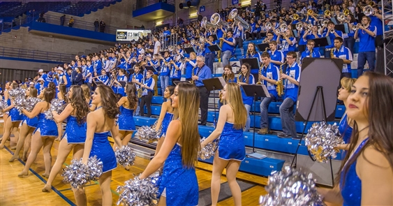 Students at Alumni Arena (Dan Nieman/Special to The Buffalo News)