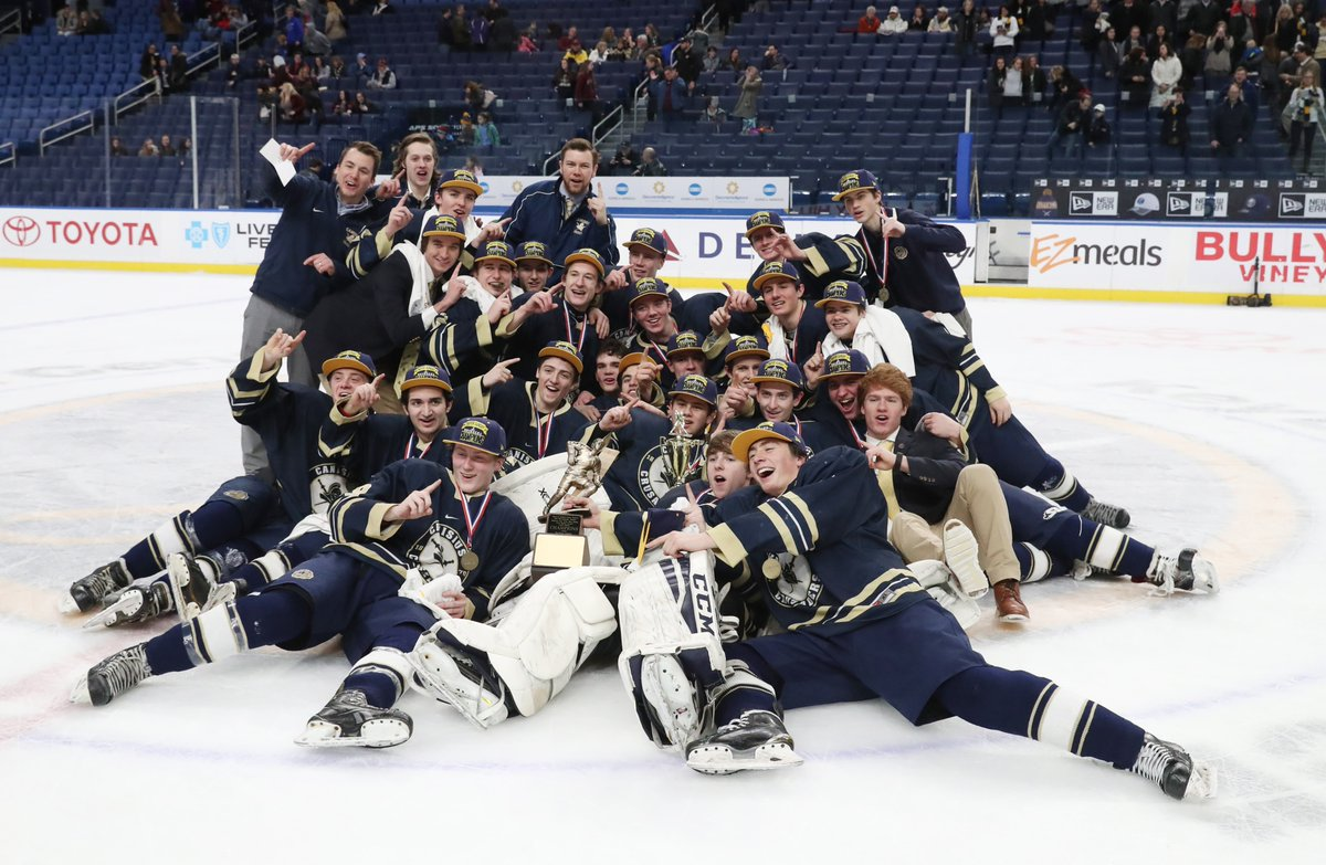 Canisius beat St. Joe's to win the club hockey large school title, 2-1. (James P. McCoy/Buffalo News)