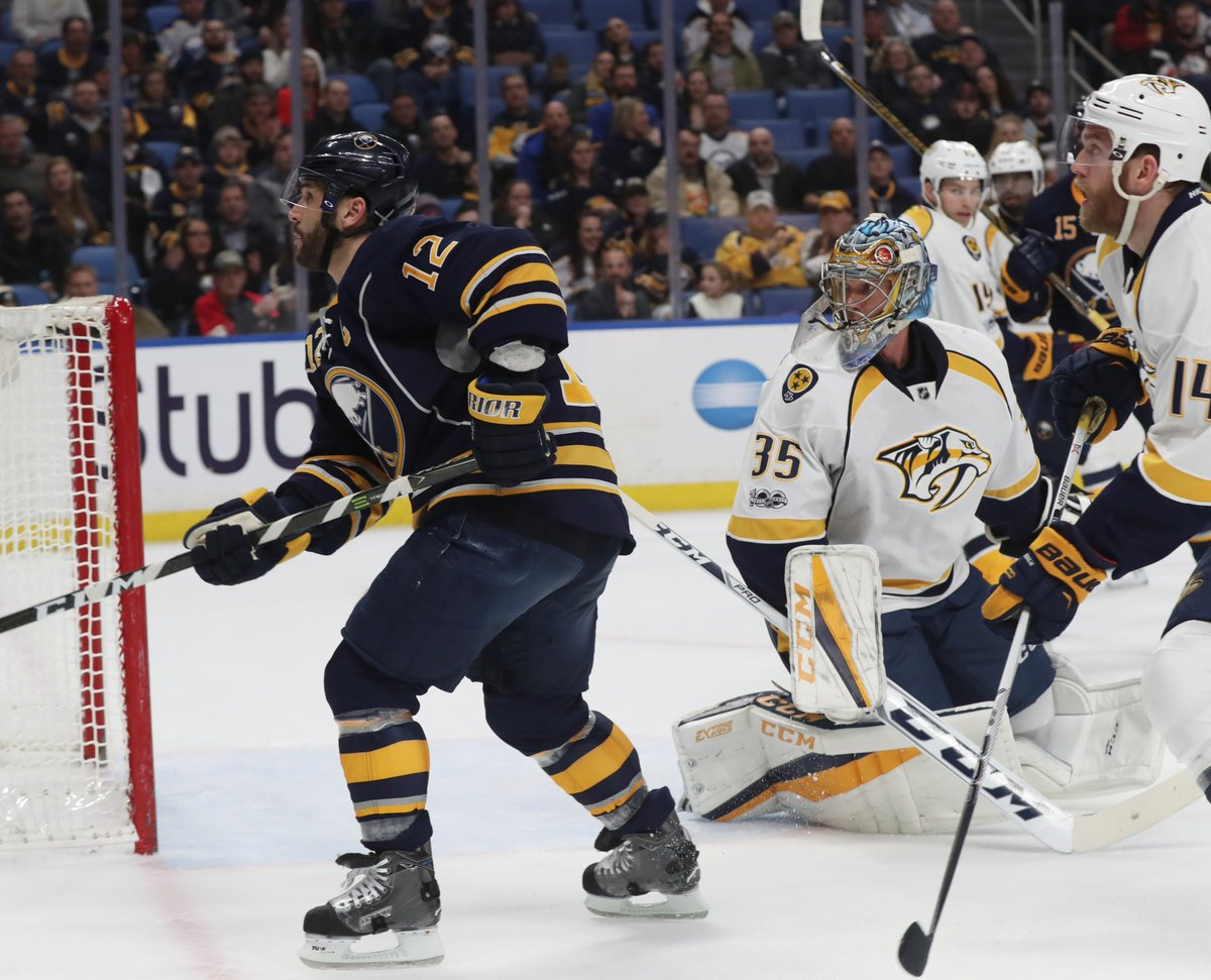 Brian Gionta scores during what could have been his final game for the Sabres. (James P. McCoy/Buffalo News).