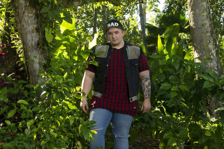 Hamburg native is on one of 10 teams in Fox reality show