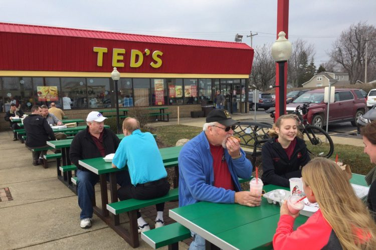 Ted's fans jam restaurants up for 90-cent hot dogs