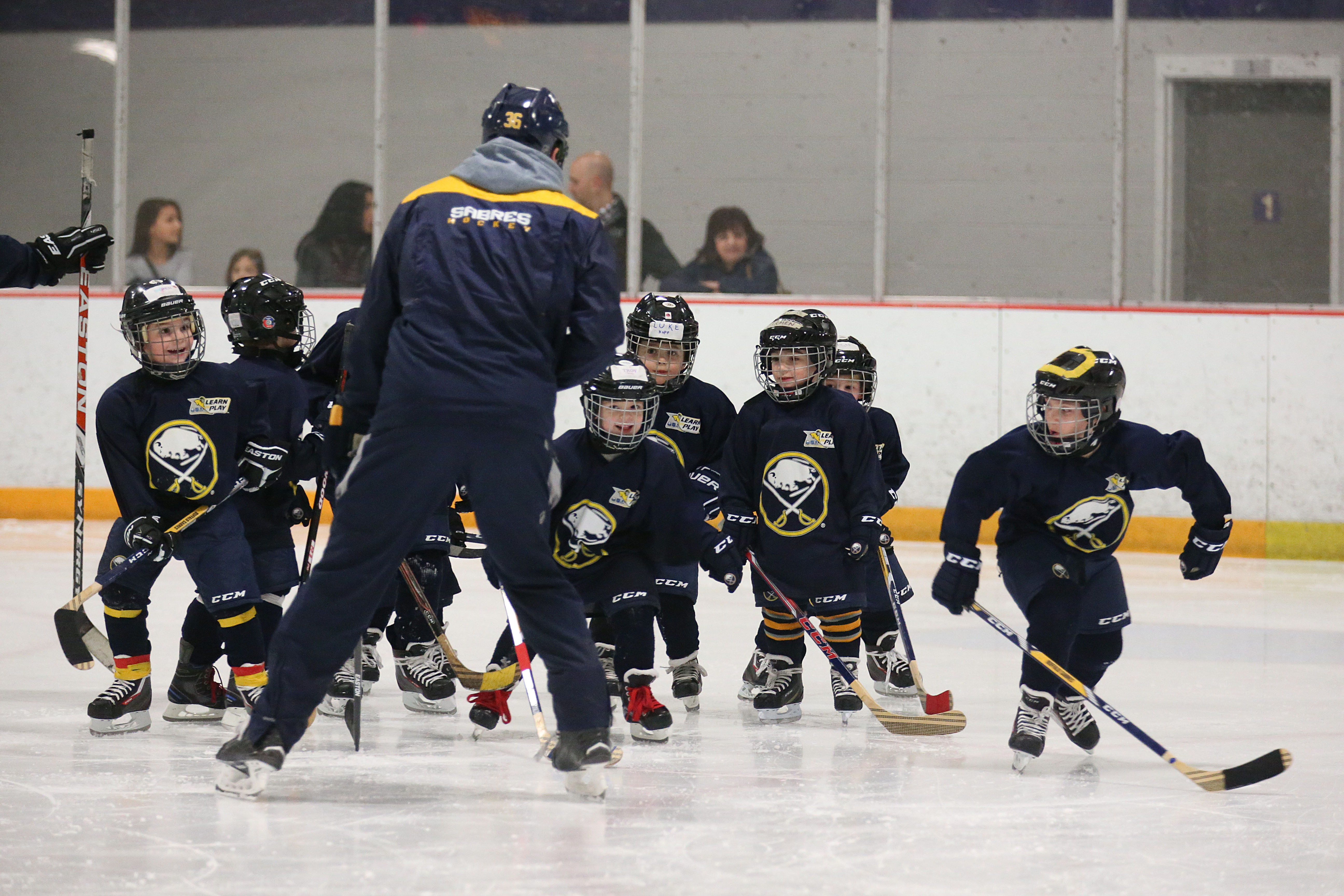 """The Niagara Junior Purple Eagles' youth hockey organization has partnered with the Buffalo Sabres and the NHL Players' Association in a """"Learn to Play"""" clinic. (Sharon Cantillon/Buffalo News)"""