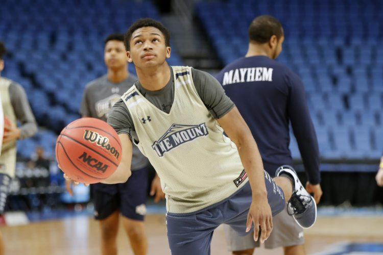 Mount St. Mary's Junior Robinson embraces being the NCAA Tournament's shortest player