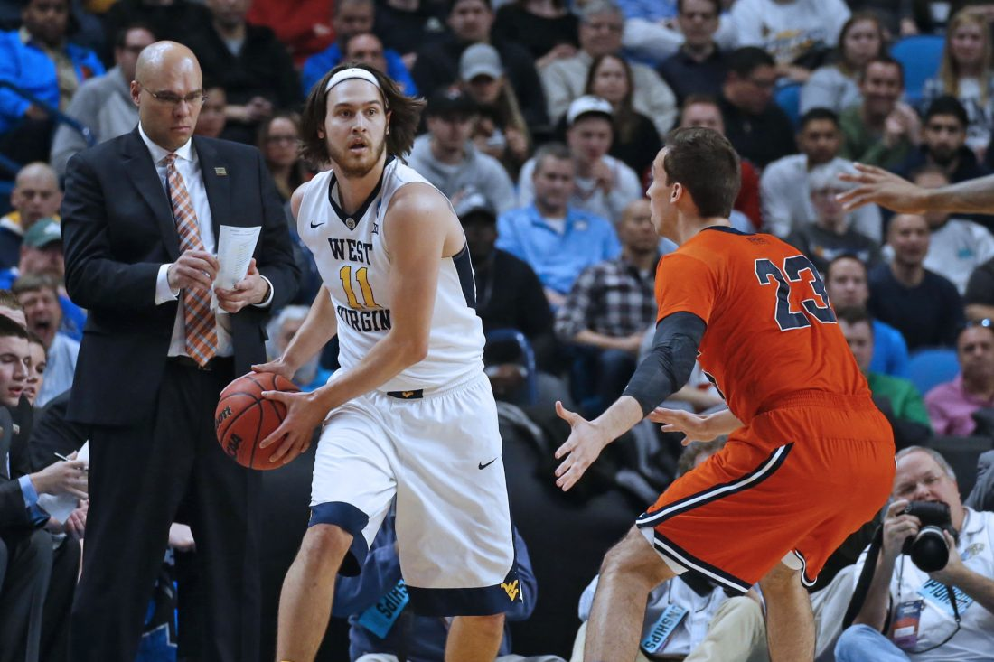 NCAA Tournament: Notre Dame survives late push from Princeton