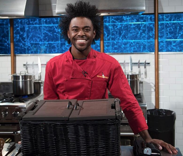 "After winning his first ""Chopped"" match, Buffalo State alumnus Lazarus Lynch will appear on Food Network's ""Chopped"" on April 25. (image via Chopped)"