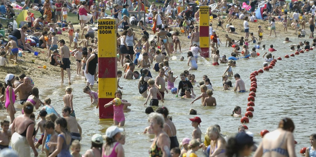 A crowded beach in Maldon, England, on a 96-degree day during the heat wave of 2003. The heat wave that year across Europe was blamed for 70,000 premature deaths. (Getty Images)