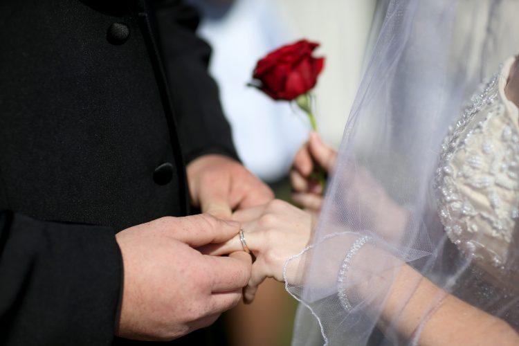 Advocates push to raise minimum marriage age in N.Y.