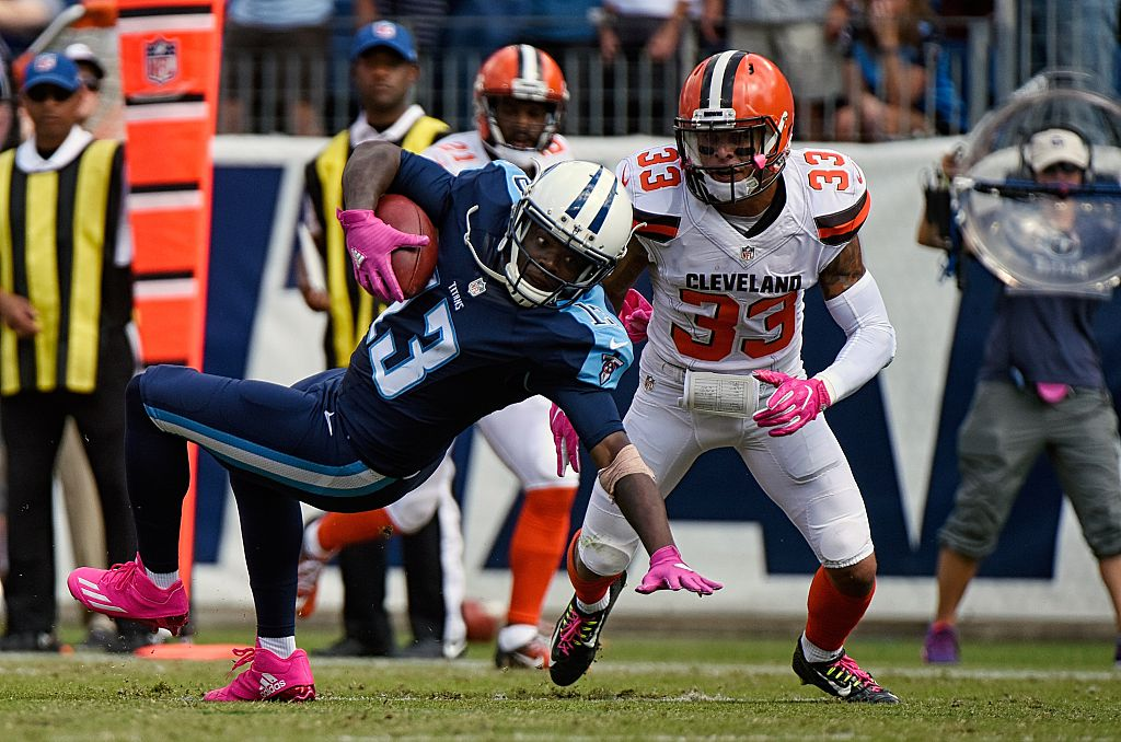 Kendall Wright #13 of the Tennessee Titans makes a catch against Jordan Poyer #33 of the Cleveland Browns during the first half at Nissan Stadium on October 16, 2016 in Nashville, Tennessee.  (Getty Images)
