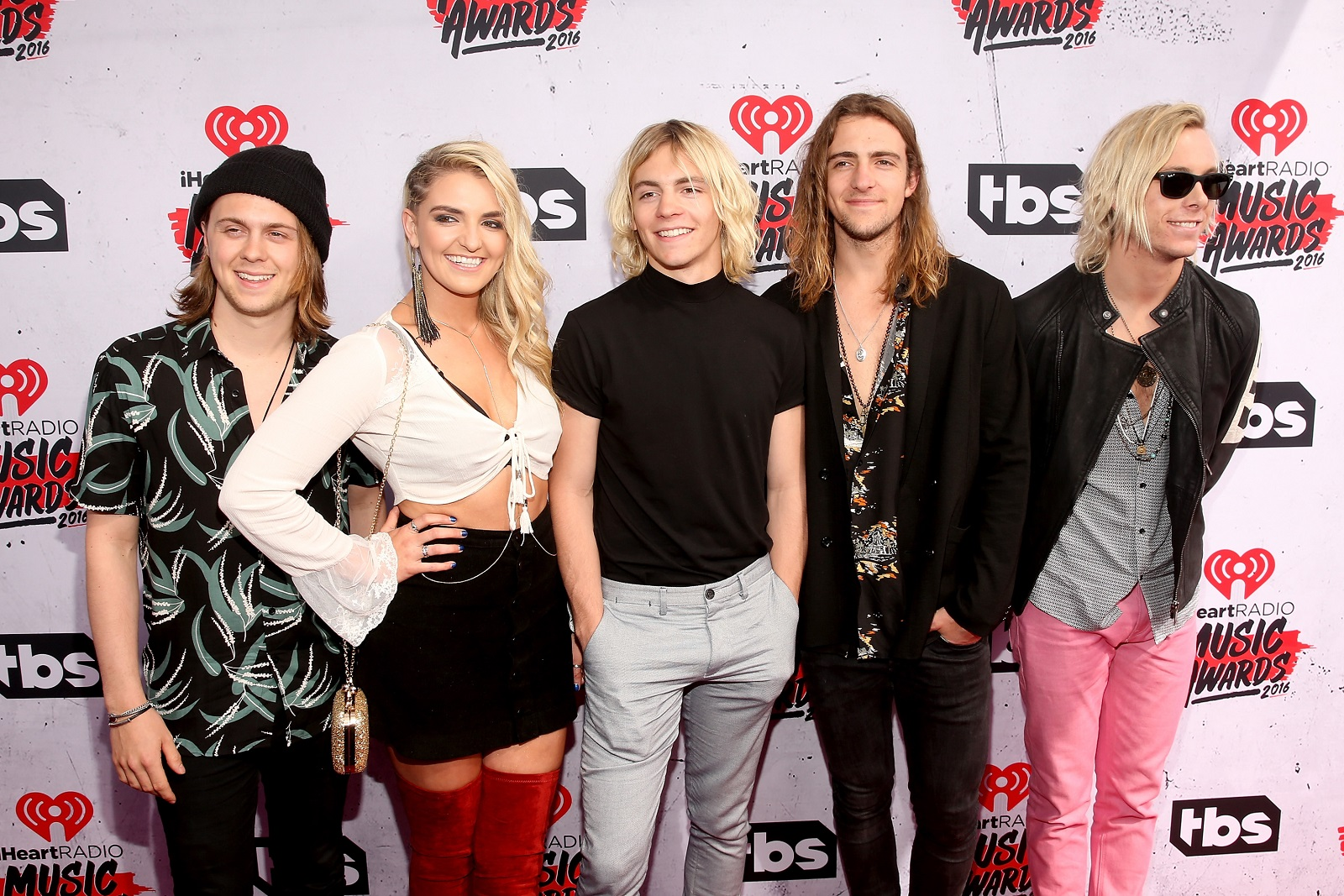 R5 sofia carson among acts playing darien lakes free series the r5 ellington ratliff rydel lynch ross lynch rocky lynch and riker lynch kristyandbryce Images